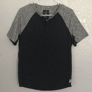 AMERICAN EAGLE OUTFITTERS SHORT SLEEVE SHIRT